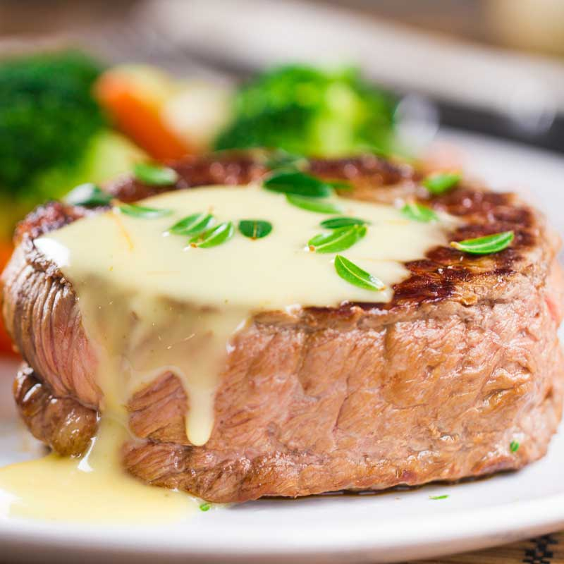 Filet Mignon with Béarnaise Sauce